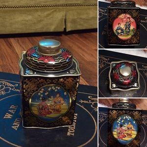 🦋2/$10 3/$15 4/$18 5/$20 Vintage Asian Tin